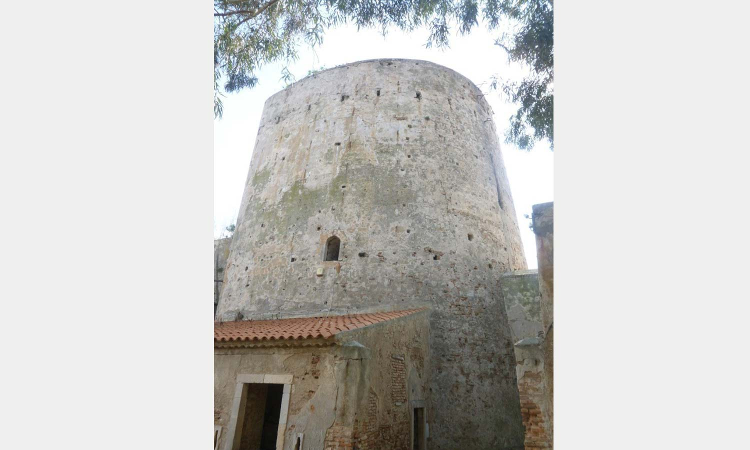 The tower of the fort at Faro.